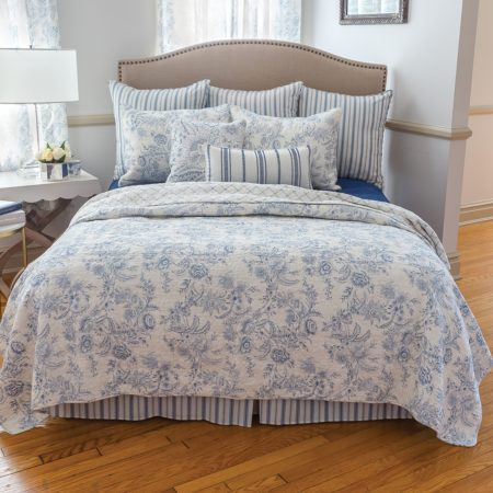 Clementina quilt by C&F Home